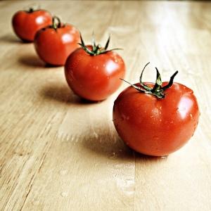 Tomatoes. Image courtesy of Flickr user epSos.de.