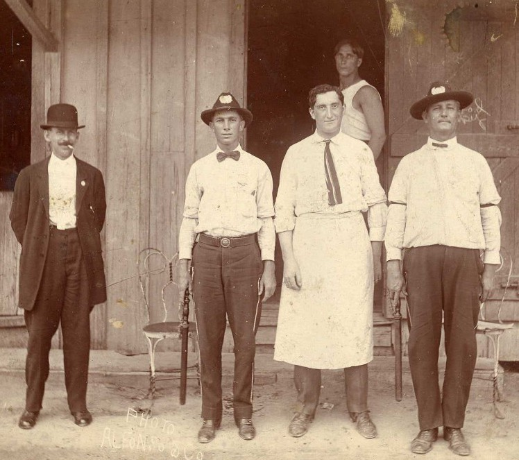 Ben Sandler and friends, Key West, early twentieth century.