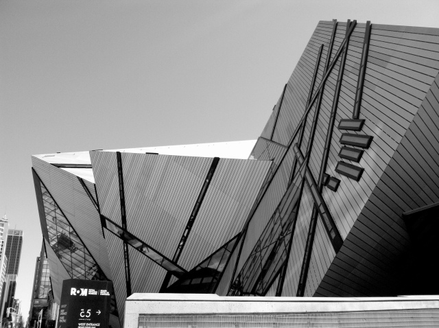 The Crystal, Royal Ontario Museum (2007), Daniel Libeskind.