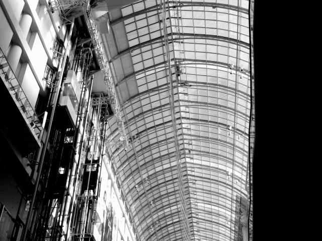 Toronto Eaton Centre (1977).