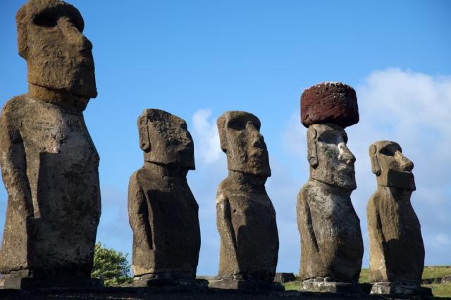 Moai, Easter Island (Nicolas de Camaret/Flickr).